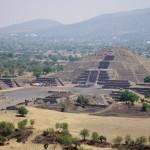 moon pyramide